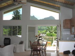 Peaceful property in lush tropical setting - Kailua vacation rentals