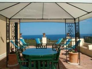 Villa Limoncello villa near catania, Sicily villa with views, holiday villa in Sicily, beach villa Sicily, Taormina villa to let - Carruba vacation rentals