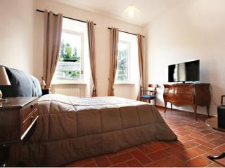 Fori Romani Suite the best view in Roma 2 bedroom - Rome vacation rentals