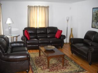 3 bedroom, single family home in heart of Lenox MA - Lenox vacation rentals