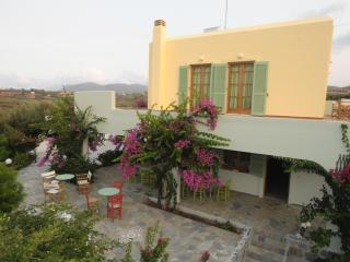 Traditional Cretan Villa, Close To The Beach - Pitsidia vacation rentals
