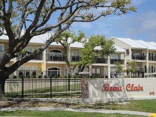 Beautiful 2 bedroom / 2-1/2 bath condo with Gulf view! - Mississippi vacation rentals
