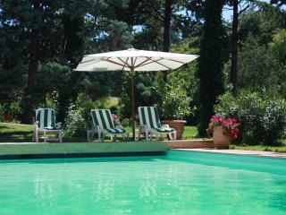 10 sleeps, pool, at 3 km from the coast, Pesaro - Marche vacation rentals