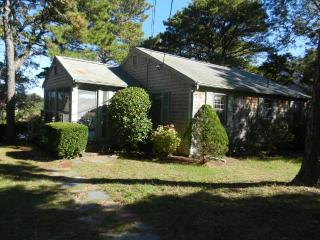 Beachfront on Buck's Pond! (1057) - Wellfleet vacation rentals
