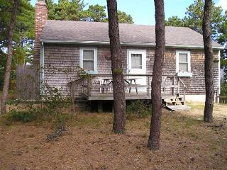 Less than a mile to Center & Mayo beach (1235) - Wellfleet vacation rentals