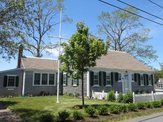 Come Enjoy This Lovely In-Town Home! (1355) - Wellfleet vacation rentals