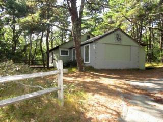 Rustic Cottage with Access to Gull Pond (1434) - Wellfleet vacation rentals