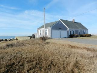 Rustic Waterfront Cottage on Lewis Bay! (1499) - West Yarmouth vacation rentals