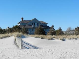 Great Island Beauty with Private Beach (1515) - West Yarmouth vacation rentals