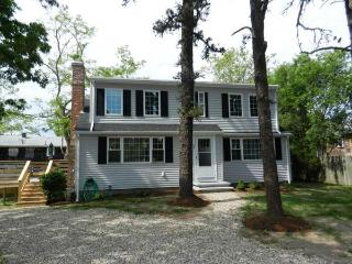 Remodeled Dennis Home in Great Location (1543) - Wellfleet vacation rentals