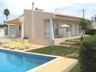 Lovely 2bdr Air Cond villa 800m from Castelo beach - Lagos vacation rentals