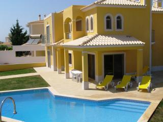 Villa in Alamos,near Sir Cliff Richards vineyard - Lagos vacation rentals