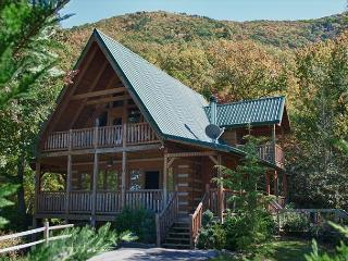 One of the Most Relaxing Mountaintop Retreats Around!   CINN - Sevierville vacation rentals