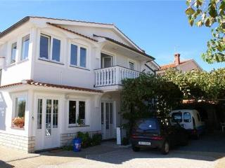 Apartment for 4 persons in Krk - Medulin vacation rentals