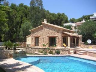 Holiday house for 4 persons, with swimming pool , near the beach in Moraira - La Llobella vacation rentals