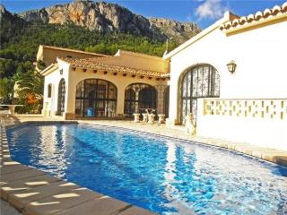 Luxury holiday house for 8 persons, with swimming pool , in Calpe - Medulin vacation rentals