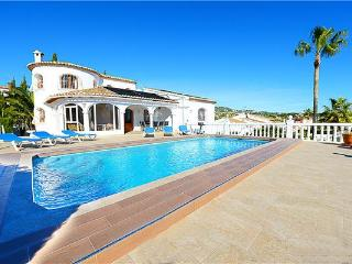 Holiday house for 8 persons, with swimming pool , in Calpe - Medulin vacation rentals
