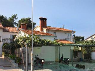 Holiday house for 4 persons near the beach in Porec - Istria vacation rentals