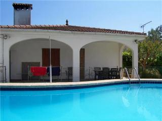 Attractive holiday house for 6 persons, with swimming pool , in Playa de Muro - Alcudia vacation rentals