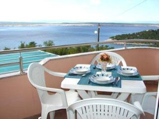 Apartment for 4 persons, with swimming pool , near the beach in Crikvenica - Dramalj vacation rentals