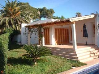 Attractive holiday house for 6 persons, with swimming pool , near the beach in Cala Mandía - Porto Cristo vacation rentals
