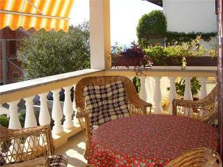Apartment for 4 persons near the beach in Selce - Selce vacation rentals