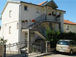 Holiday house for 5 persons near the beach in Selce - Kvarner and Primorje vacation rentals
