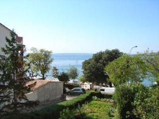 Apartment for 5 persons near the beach in Selce - Selce vacation rentals