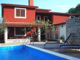 Apartment for 4 persons, with swimming pool , in Krnica - Image 1 - Krnica - rentals