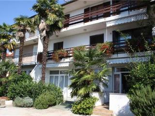Attractive apartment for 4 persons near the beach in Krk - Malinska vacation rentals