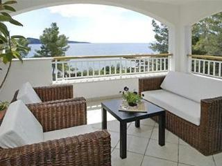Attractive holiday house for 13 persons, with swimming pool , near the beach in Korcula - Southern Dalmatia Islands vacation rentals
