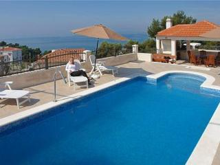 Holiday house for 4 persons, with swimming pool , near the beach in Split - Podstrana vacation rentals