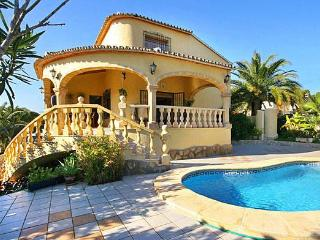 Attractive holiday house for 8 persons, with swimming pool , in Moraira - La Llobella vacation rentals