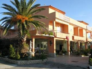 Apartment for 4 persons near the beach in Rab - Island Rab vacation rentals
