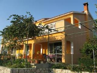 Attractive apartment for 5 persons near the beach in Rab - Lopar vacation rentals