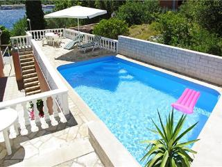 Attractive holiday house for 10 persons near the beach in Korcula - Southern Dalmatia Islands vacation rentals