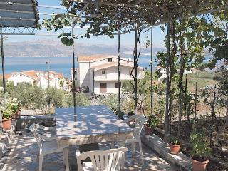 Apartment for 4 persons near the beach in Trogir - Slatine vacation rentals