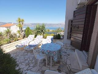 Apartment for 8 persons near the beach in Trogir - Ciovo vacation rentals