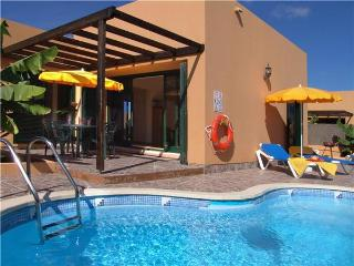 Holiday house for 4 persons, with swimming pool , in La Oliva, Corralejo - Fuerteventura vacation rentals
