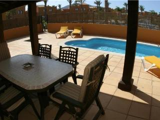 Holiday house for 6 persons, with swimming pool , in La Oliva, Corralejo - Fuerteventura vacation rentals