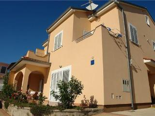 Apartment for 8 persons near the beach in Crikvenica - Crikvenica vacation rentals