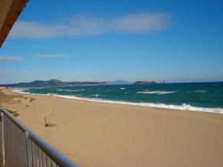 Attractive apartment for 4 persons near the beach in Playa de Pals - Begur vacation rentals