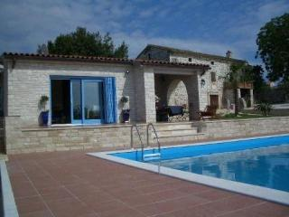 Attractive holiday house for 4 persons, with swimming pool , in Porec - Baderna vacation rentals