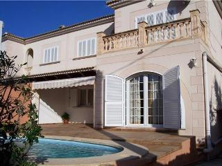 Attractive holiday house for 8 persons, with swimming pool , near the beach in Playa de Palma - Playa de Palma vacation rentals