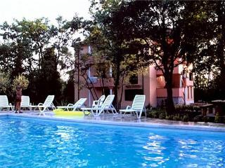 Apartment for 4 persons, with swimming pool , in Umag - Umag vacation rentals