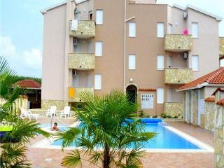 Apartment for 2 persons, with swimming pool , near the beach in Umag - Umag vacation rentals