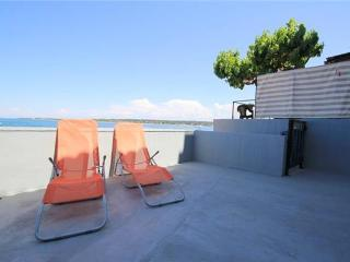 Apartment for 4 persons near the beach in Novigrad - Novigrad vacation rentals