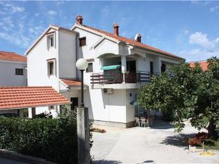 Apartment for 4 persons near the beach in Zadar - Zadar vacation rentals