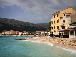 Apartment for 4 persons near the beach in Krk - Baska vacation rentals