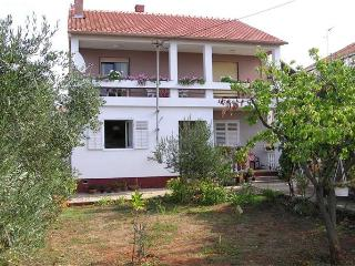 Apartment for 6 persons near the beach in Zadar - Zadar County vacation rentals